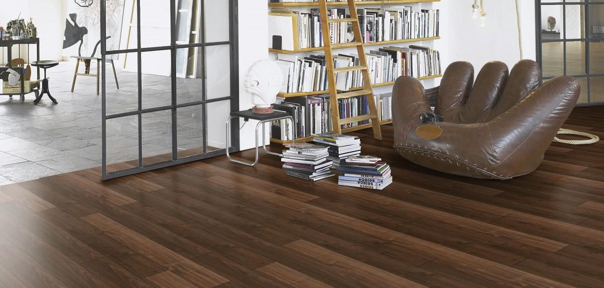 PARADOR Laminat Trendtime 1 Walnuss Holzstruktur 4-V-Fuge Stabdiele Artikel-Nr.: 1473907 – Bild 4