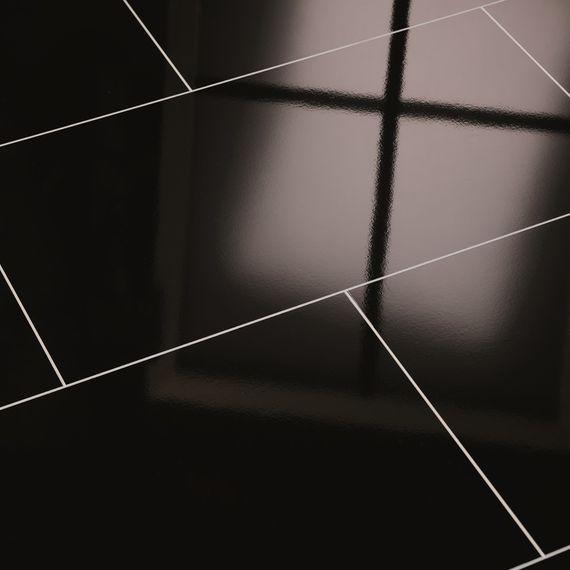 ELESGO Laminat Superglanz Hochglanz Brilliant Life Maxi V5 Color black schwarz Fliesenoptik – Bild 1